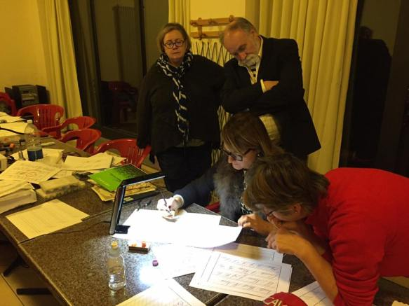 Barbara Calzolari demonstrates techniques at her workshop on Engrosser script, Centro Sociale Giorgio Costa, Bologna, 5/12/15.